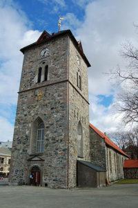 300px-vaar_frue_church_trondheim_2009